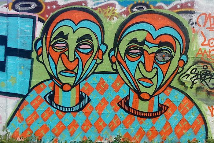2-visages-lies