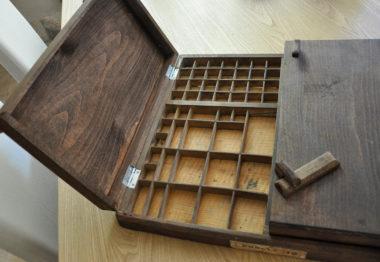 Shéba - Boite type imprimerie ouverte - 43x50x7cm - 2018