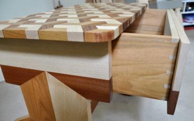 Shéba - Table de chevet Merisier Hêtre Acajou (Détail tiroir) - 60x40x50cm - 2018